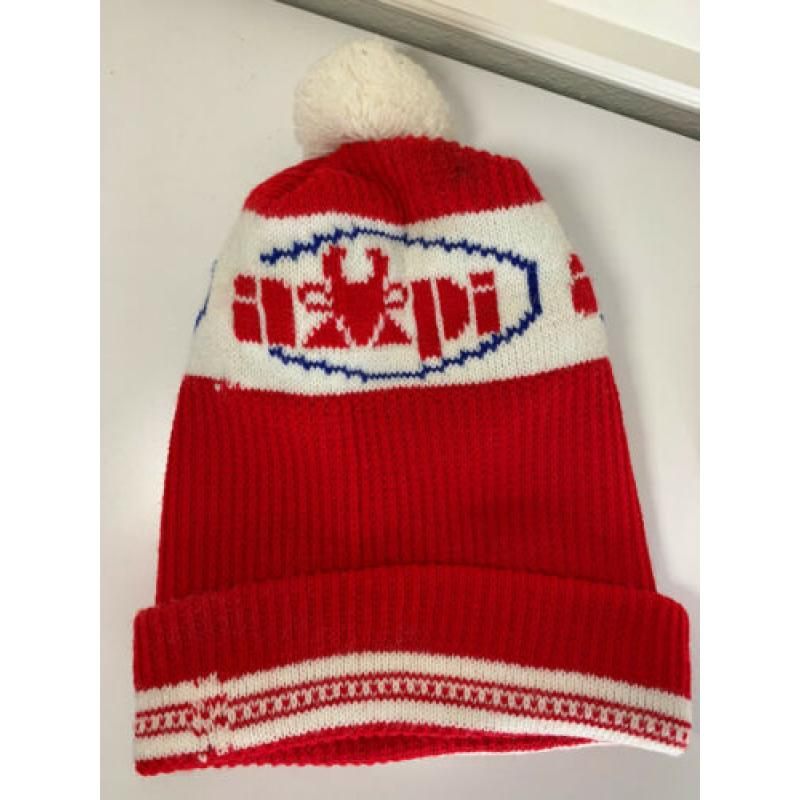VNTG Knit Pom Beanie Hat AMPI Red White Winter Hat Associated Milk Producers Inc